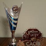 pohár za BOB, plaketa za CACIB a medaile za CAC